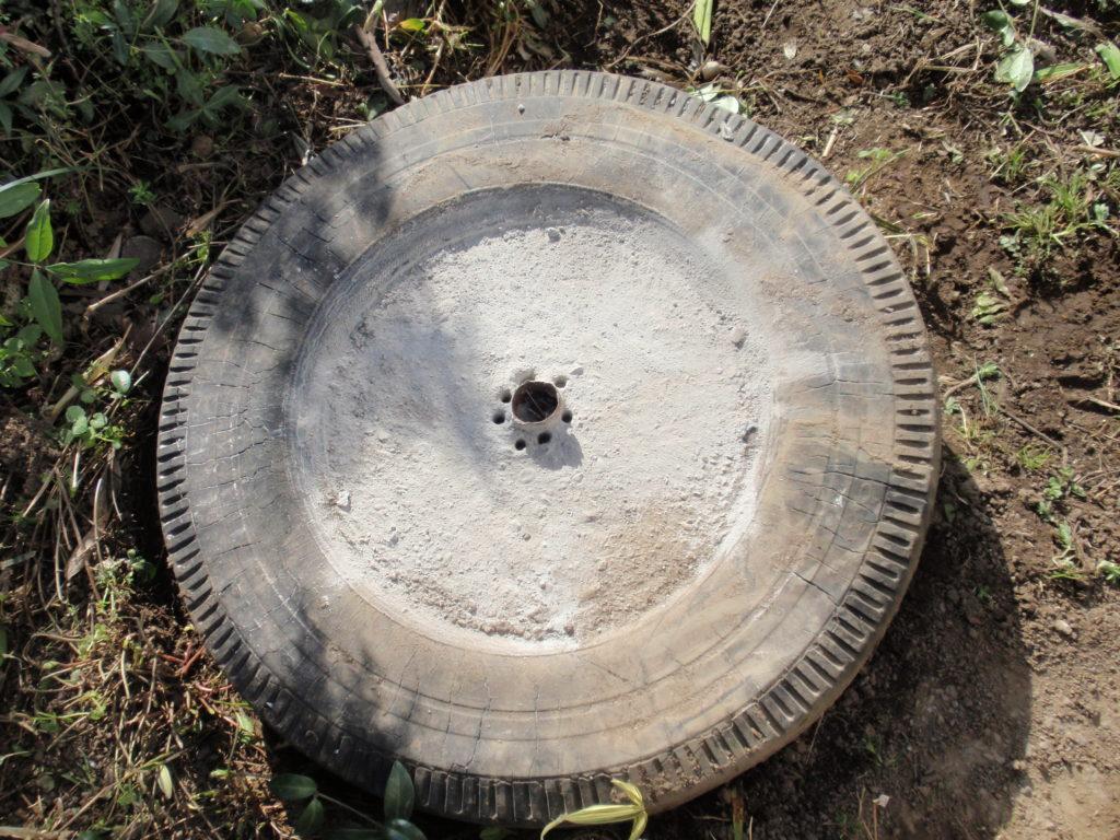 物干し台修理コンクリートドリルで穴開け