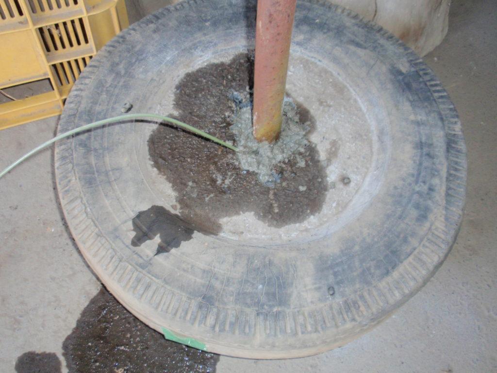 物干し台修理コンクリート施工