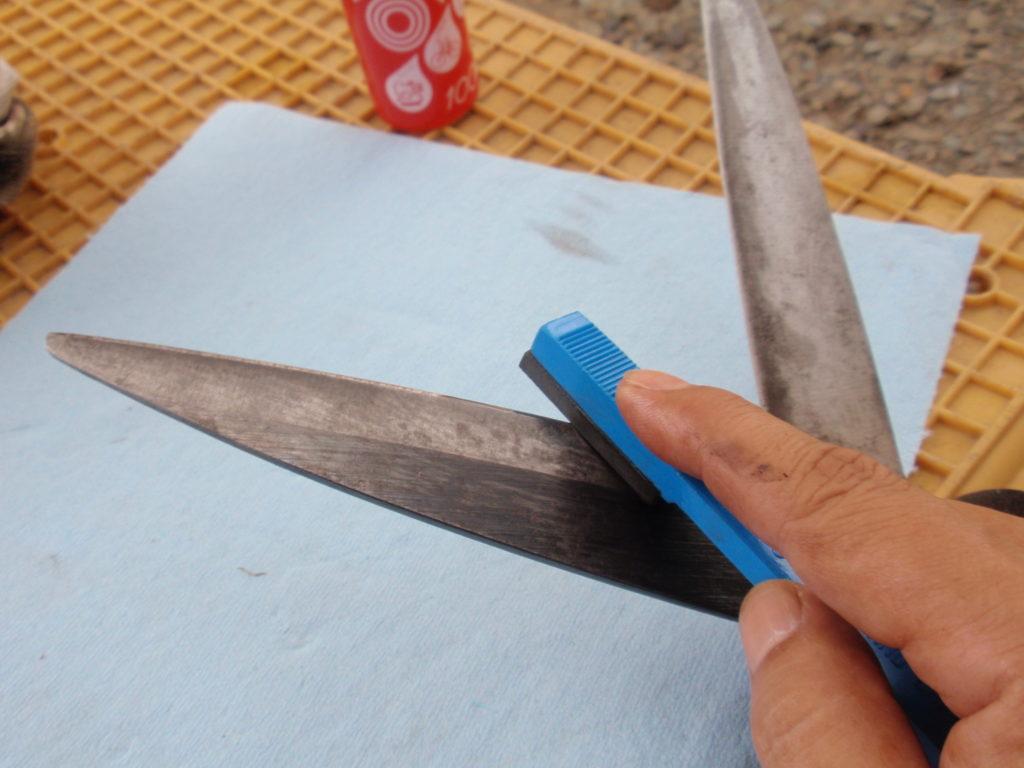 刈込みハサミの刃研ぎ