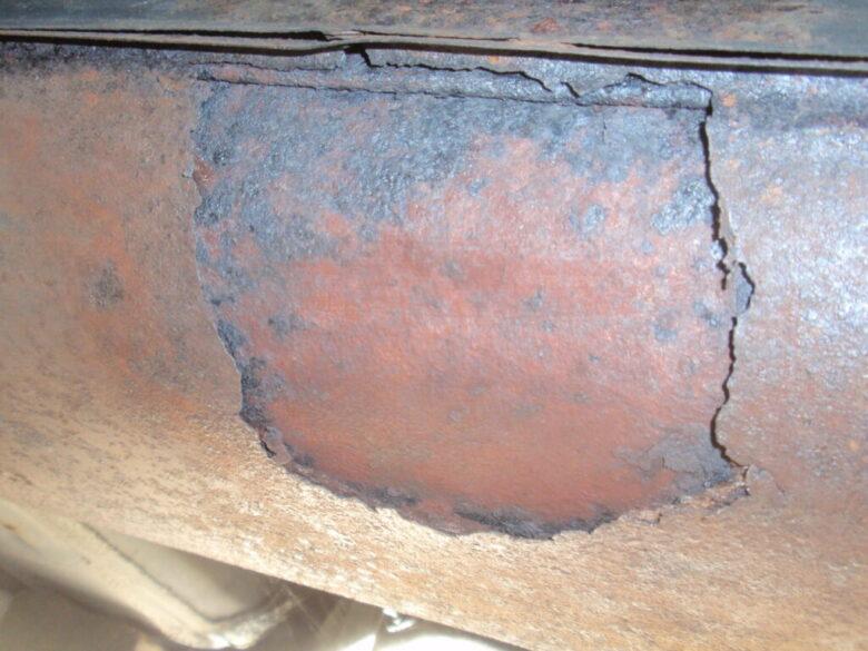車のマフラー タイコ部分修理