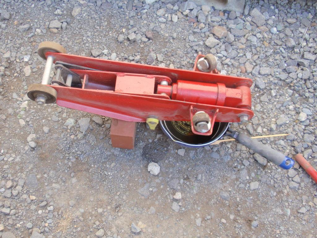 ガレージジャッキ(油圧ジャッキ)の作動油交換
