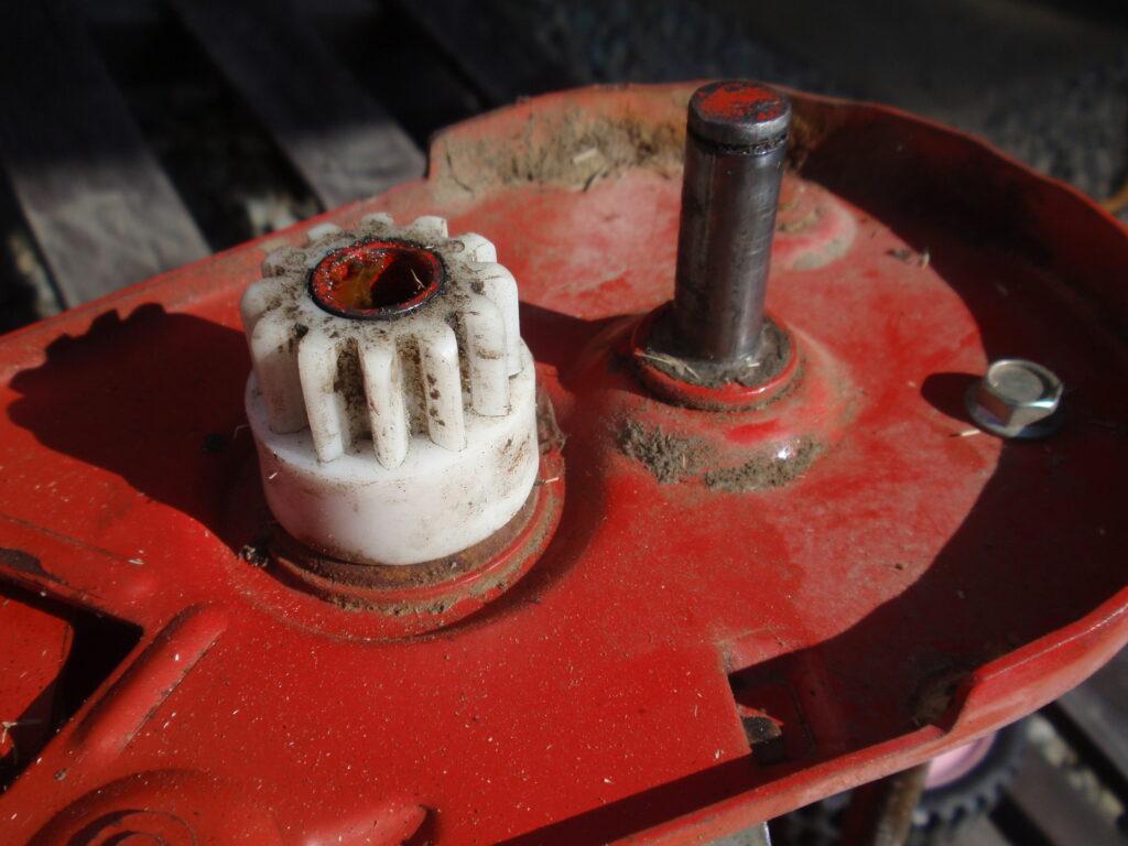 手押し式芝刈り機の刃の研磨 回転刃の逆転方法 手順3