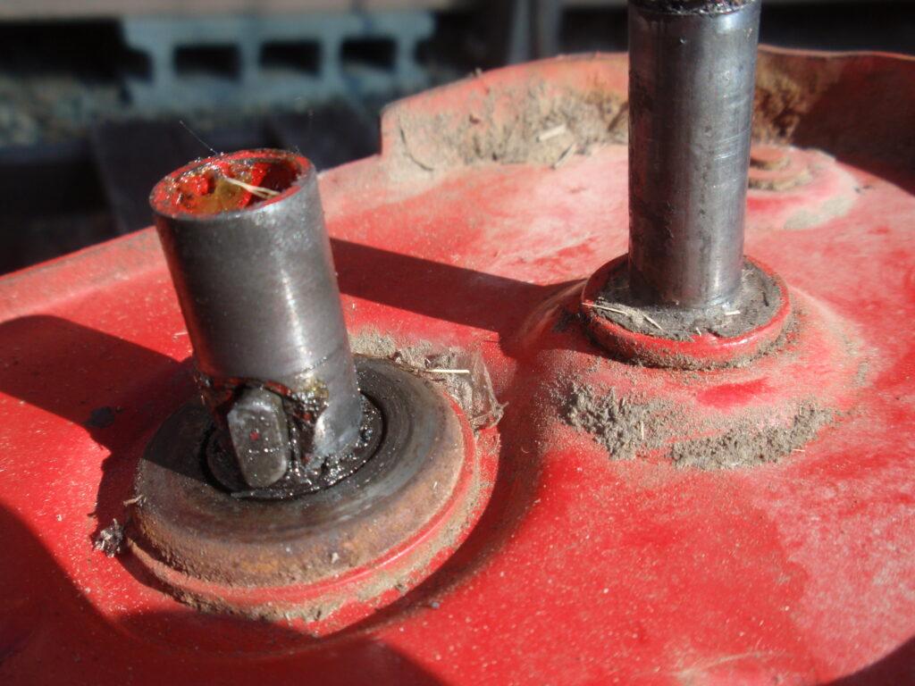 手押し式芝刈り機の刃の研磨 回転刃の逆転方法 手順4