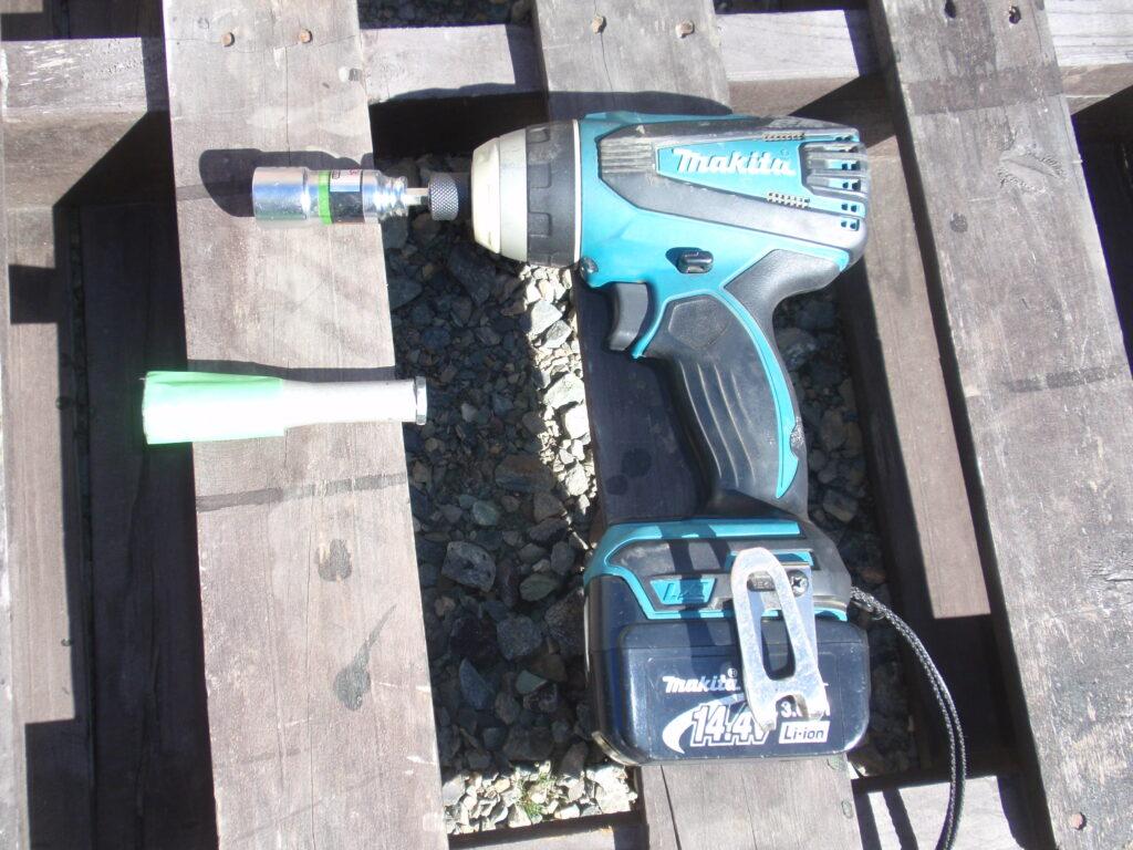 芝刈り機刃の研磨 DIYで自作した治具1