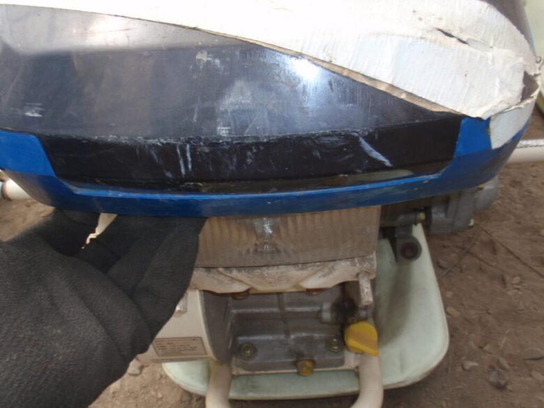 イセキの田植機のボンネットの外し方