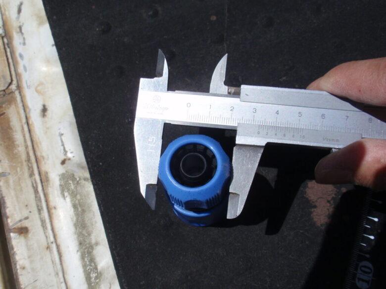 ホース接続用コネクターの寸法