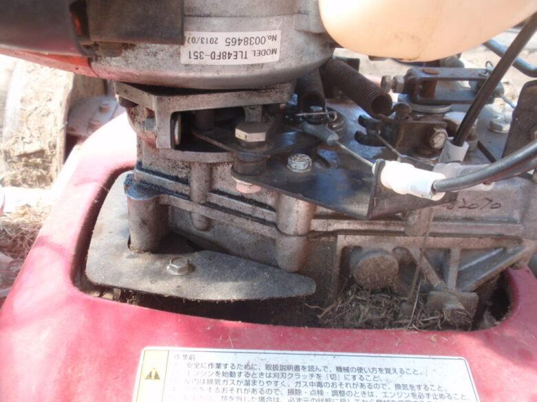 自走式草刈機(法面草刈機)GC-K501のブレーキ位置